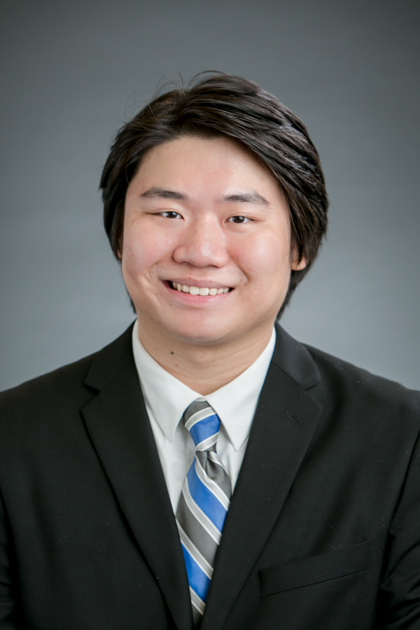 Bill Zhou Headshot